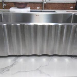 Lottare 200118 Farmhouse Sink w/ Grid