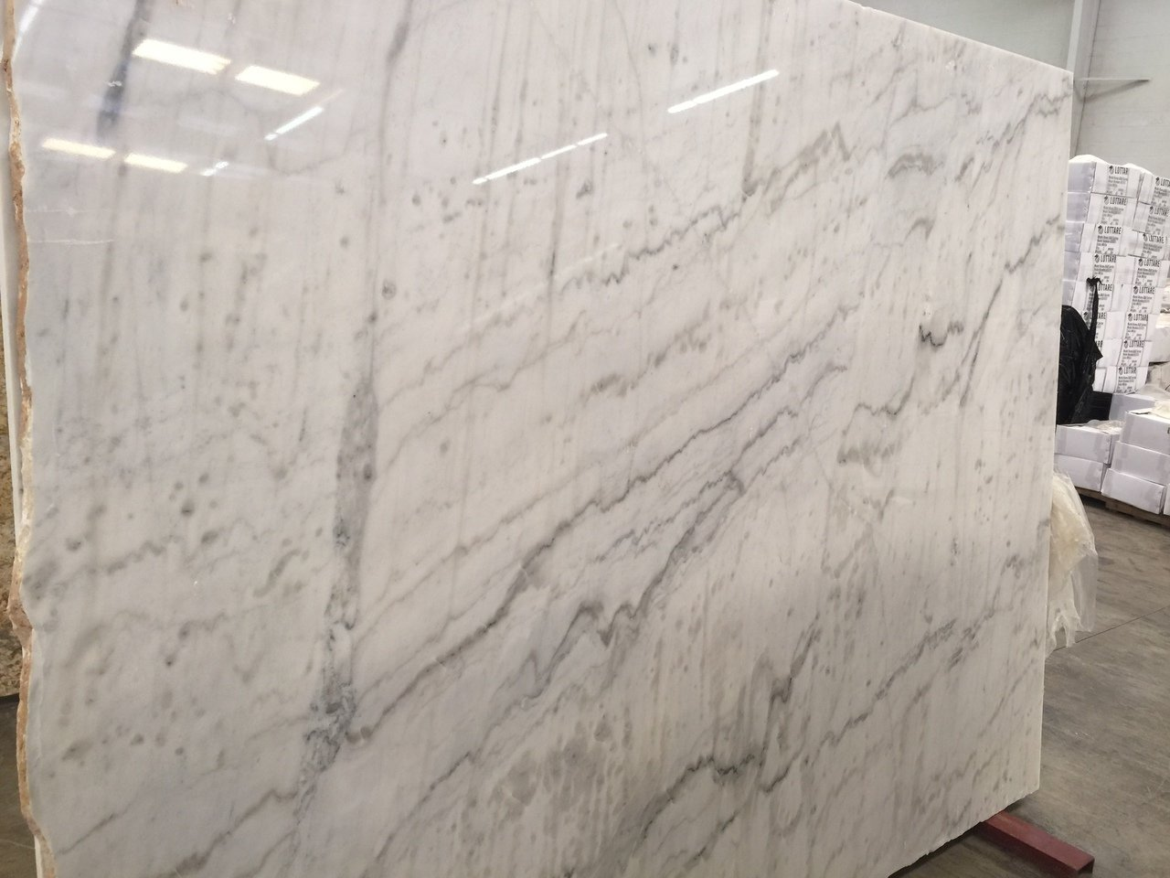 Premium Quality Alaska White Marble Slab 3cm and 2cm Available