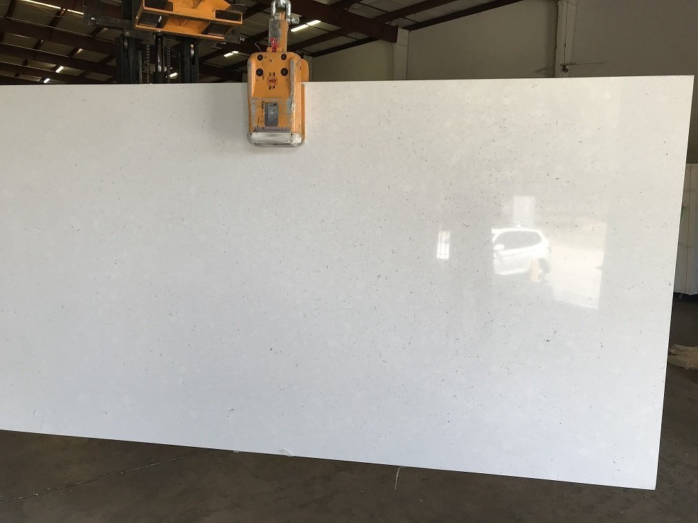 Quartziano Ultimate Countertop Surface  Ariana White quartz 555010
